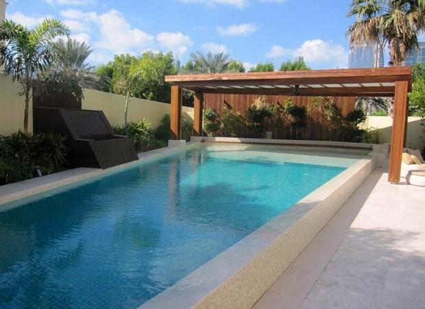 Luxury Pergolas Over Pool 3