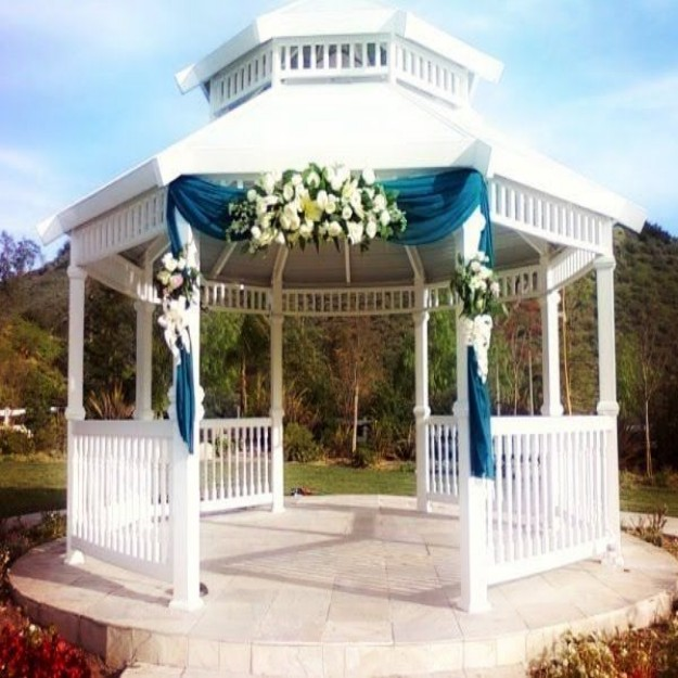 Gazebo Decor Ideas 5