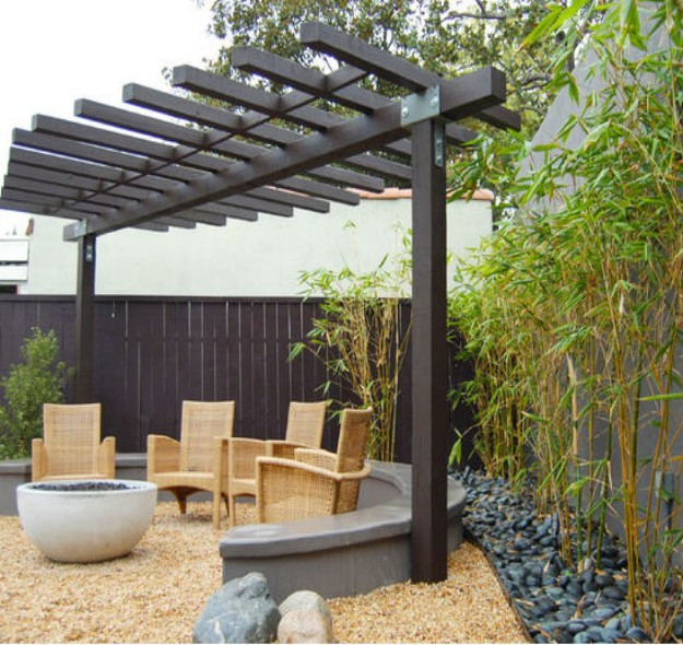 Pergola Ideas for Small Backyards 2