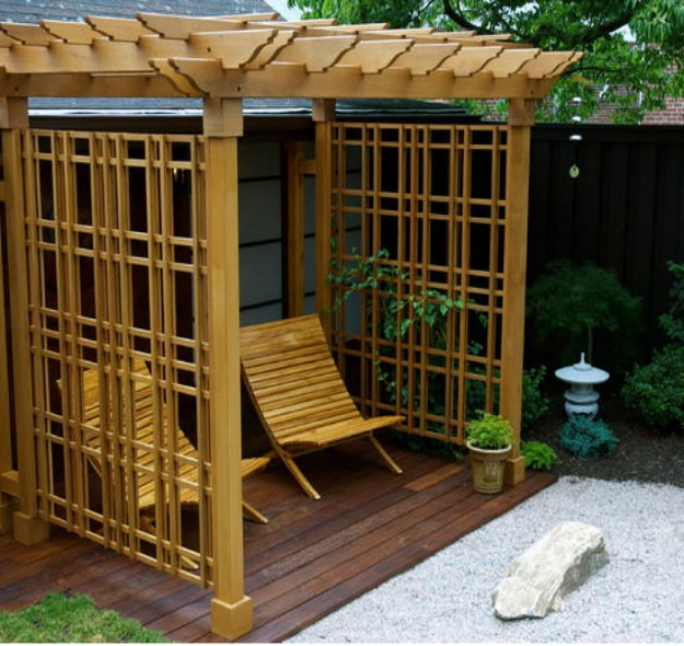 Pergola Ideas for Small Backyards 6