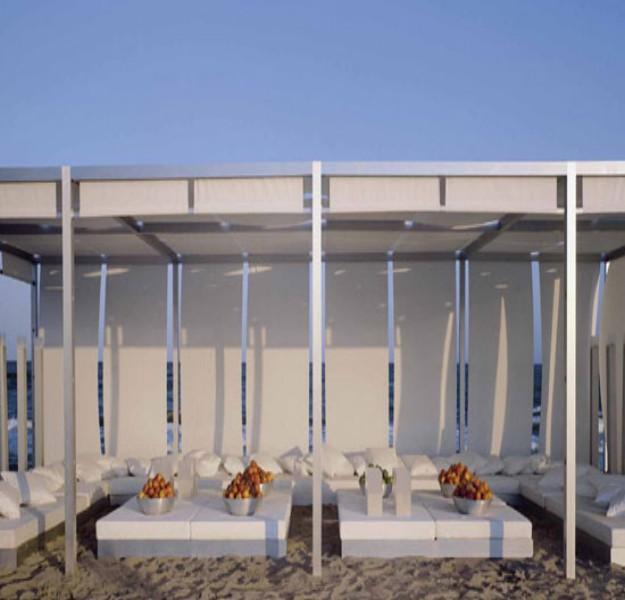 Pergola Sofa Ideas 3