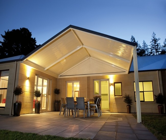 What is Hip Roof Pergola?