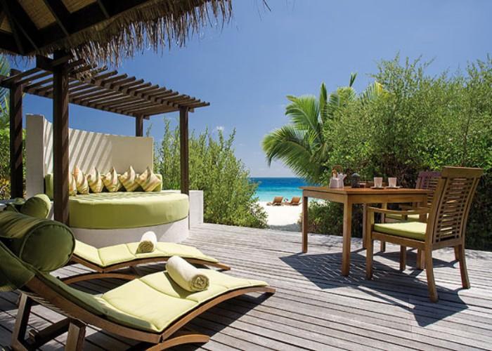 Outdoor Pergola Lounge 8