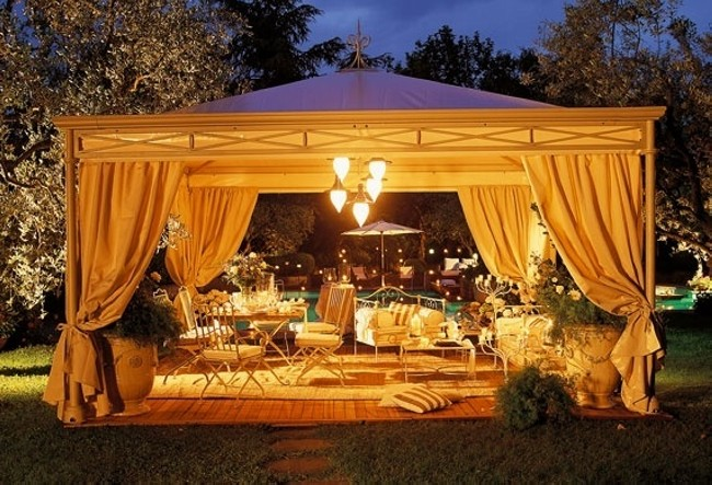 Gazebo Decorating 10