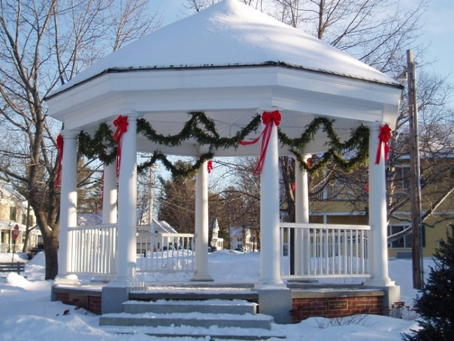 Gazebo Decorating 9