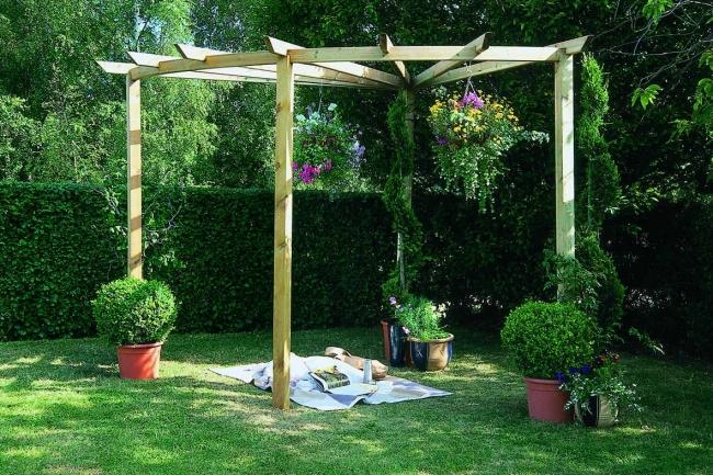 Garden in Pergola Deck 6