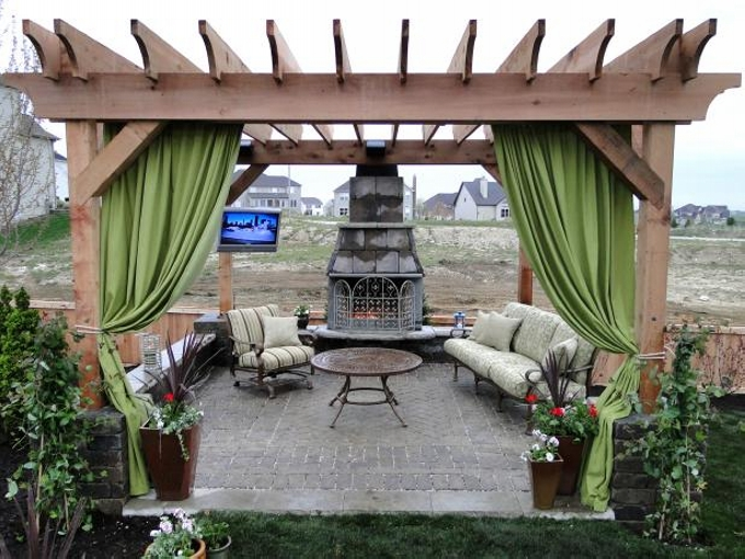 Exceptional Factors Must Be Kept In Mind While Purchasing Pergola Furniture