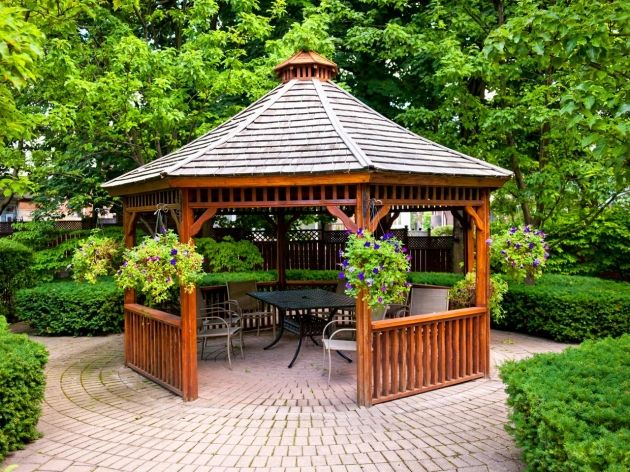Enjoy the Weather Swings by Implanting a Gazebo