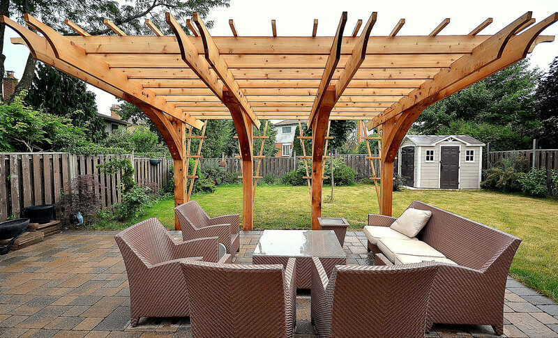 What about a pergola deck dining room pergola gazebos for Cool patio ideas for small spaces