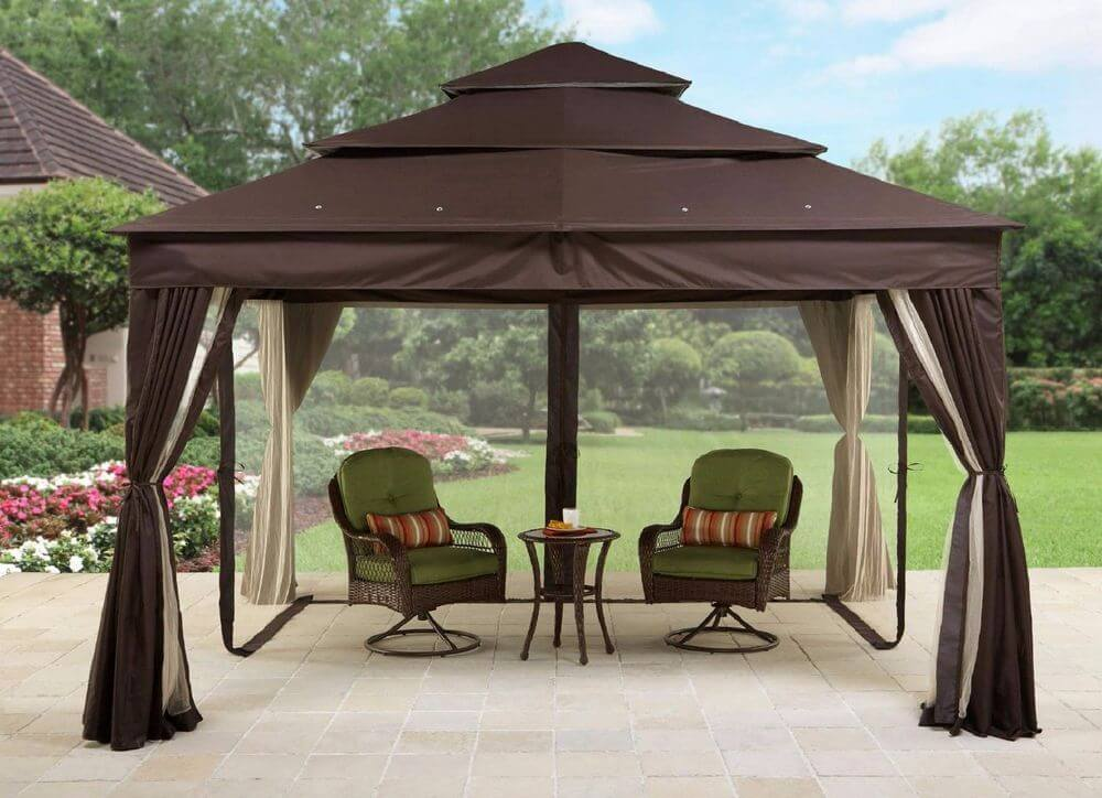 Gazebo on deck 8