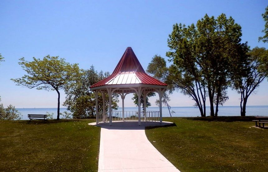 Lakeside Gazebo Design Ideas 10
