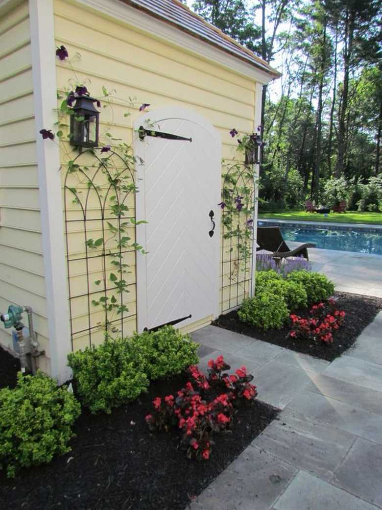 Awesome trellises design ideas for your backyard pergola for Decorating outdoor lattice