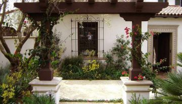 Eye Catching Design Ideas for Patio Arbors
