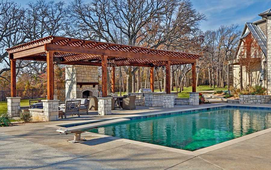 pool pergola design idea 6