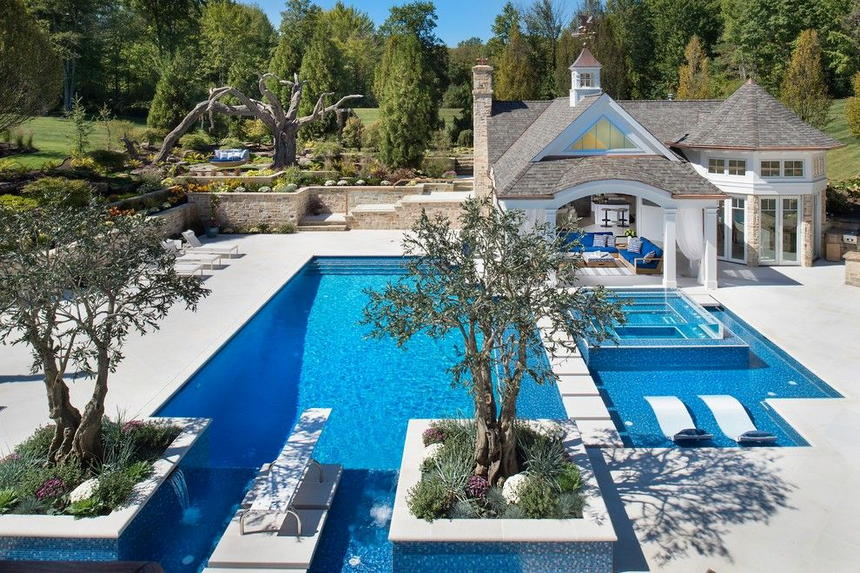 Luxury Outdoor Hot Tubs and Modern Spas (10)