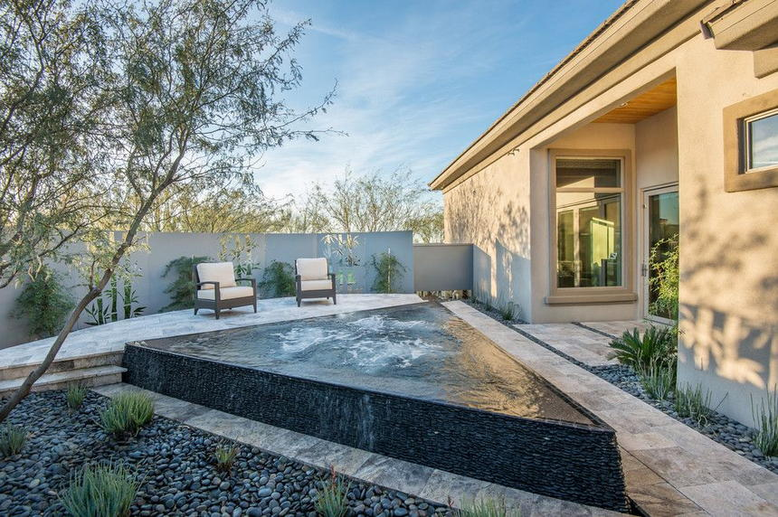Luxury Outdoor Hot Tubs and Modern Spas (14)