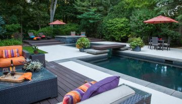 Luxury Outdoor Hot Tubs and Modern Spas