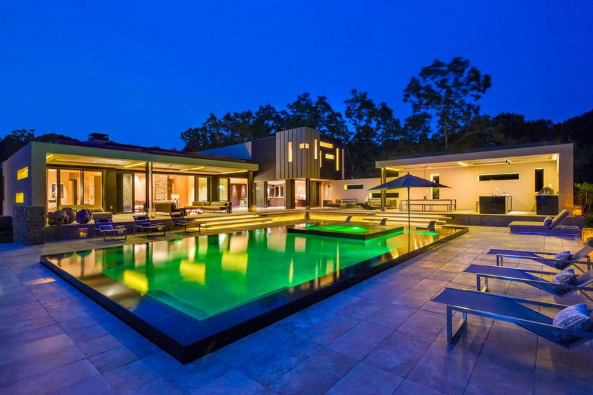 Luxury Outdoor Hot Tubs and Modern Spas (2)
