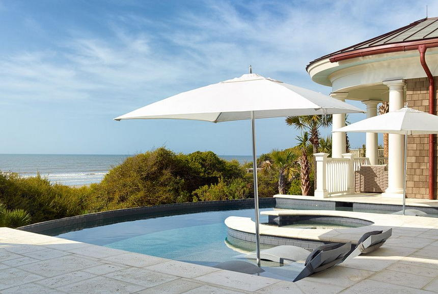 Luxury Outdoor Hot Tubs and Modern Spas (24)