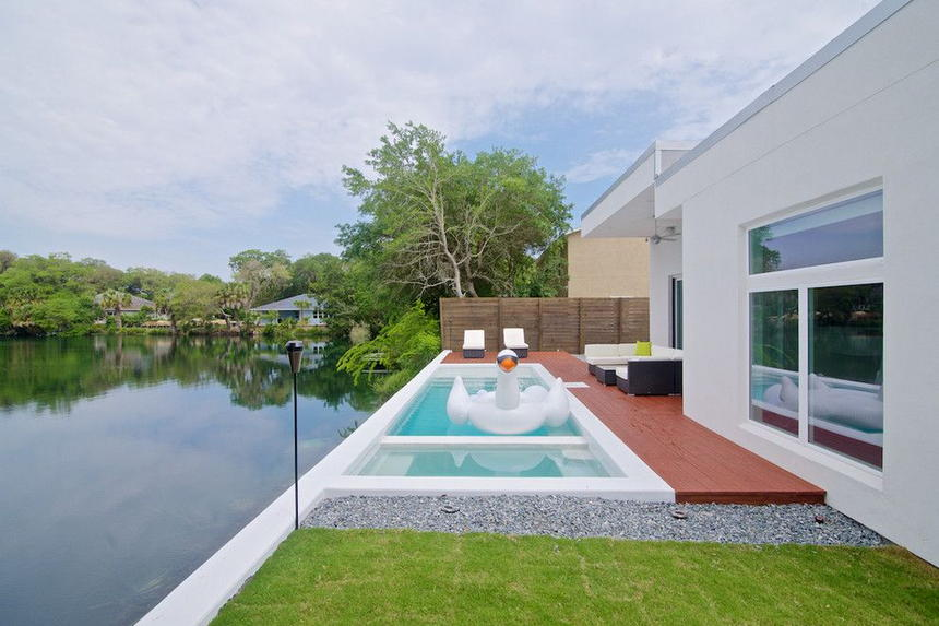Luxury Outdoor Hot Tubs and Modern Spas (25)