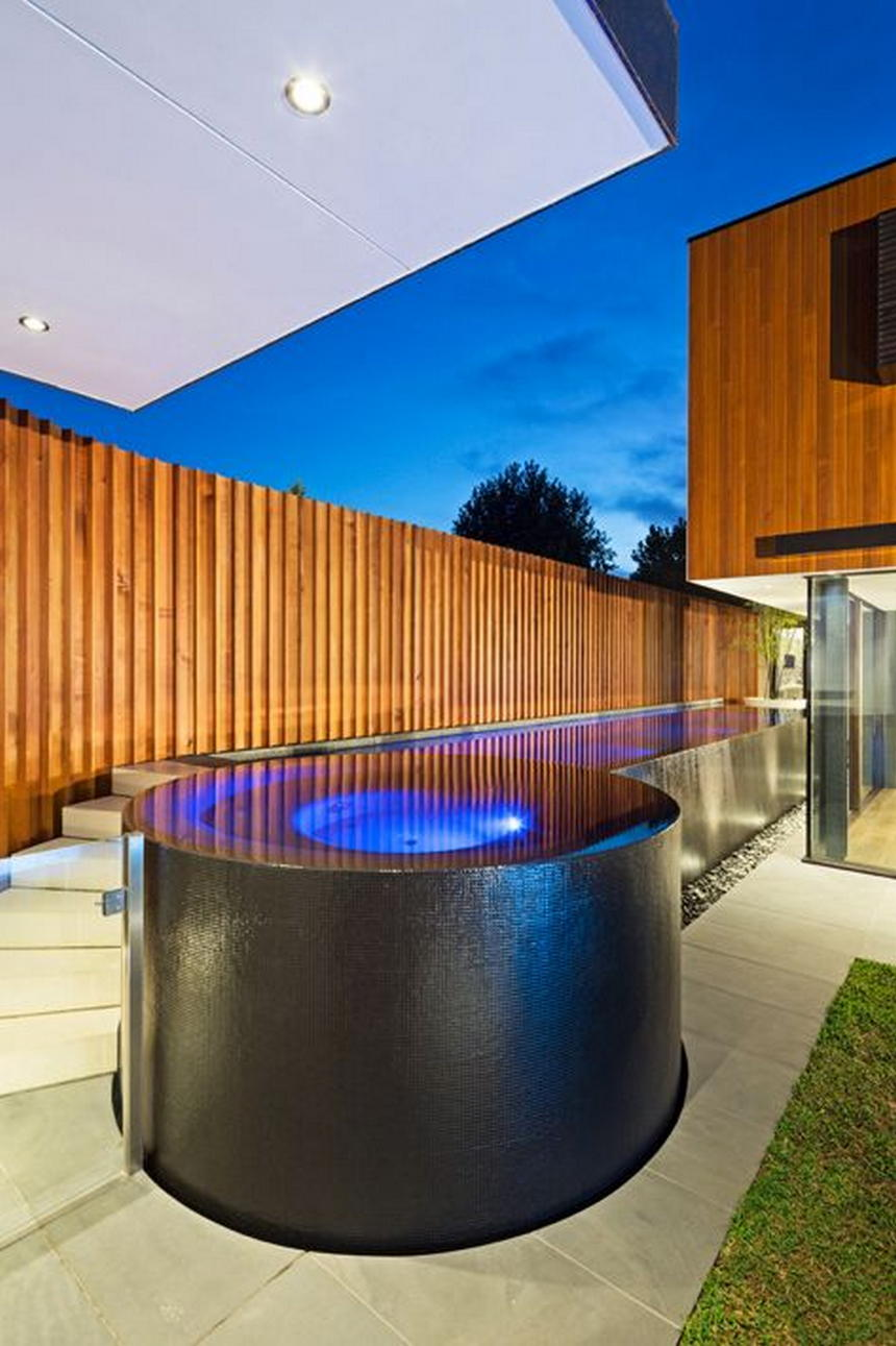 Luxury Outdoor Hot Tubs and Modern Spas (27)
