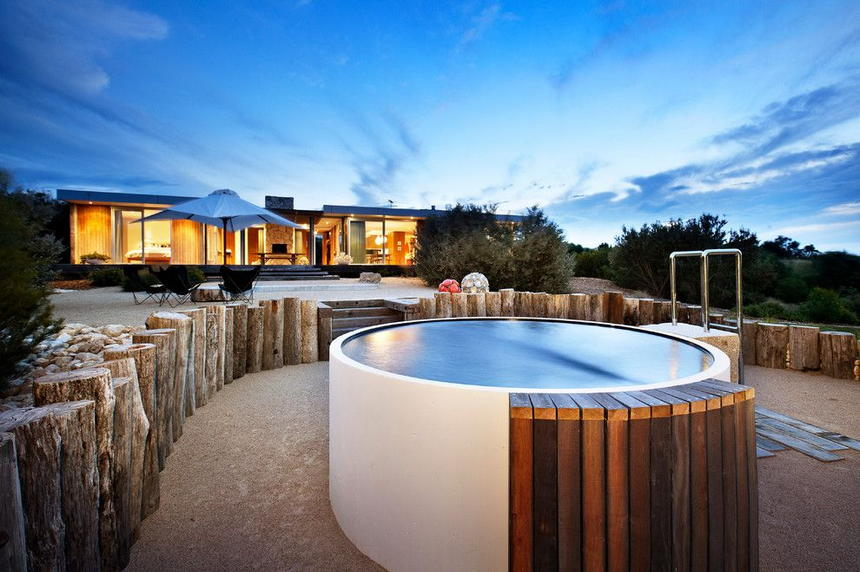 Luxury Outdoor Hot Tubs and Modern Spas (36)