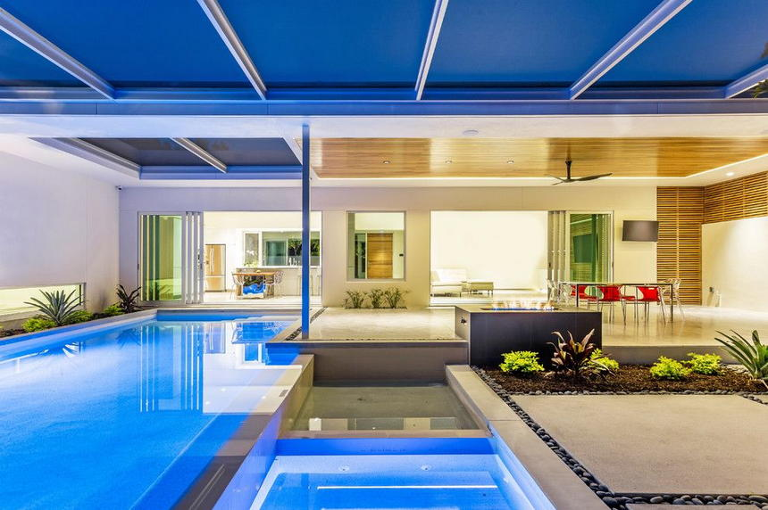 Luxury Outdoor Hot Tubs and Modern Spas (5)