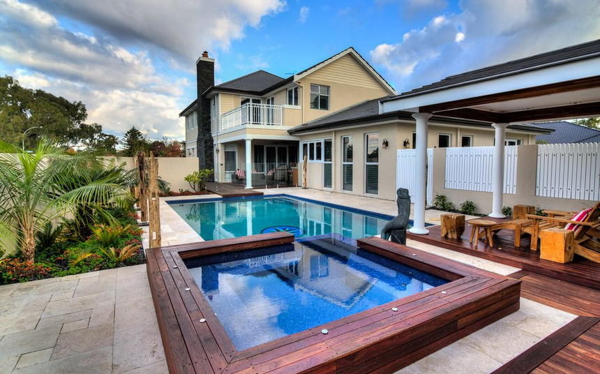Luxury Outdoor Hot Tubs and Modern Spas (7)