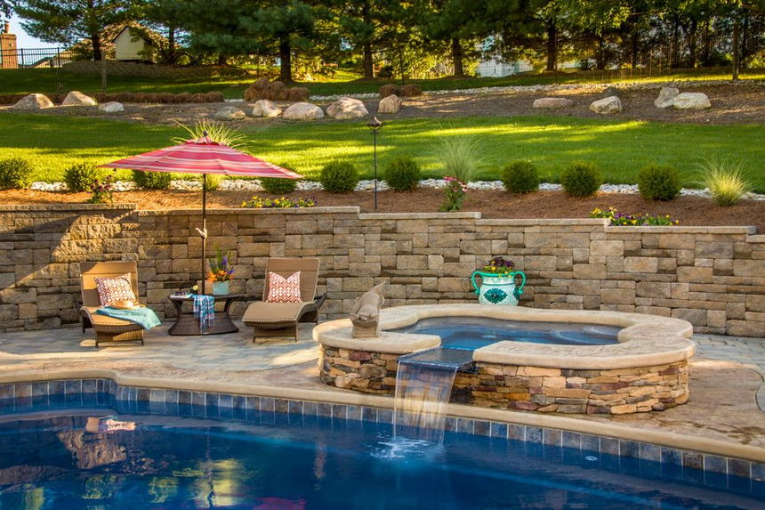 Luxury Outdoor Hot Tubs and Modern Spas (9)