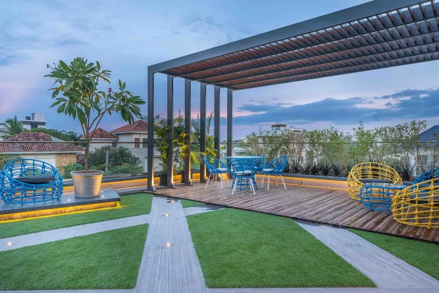 Outdoor Living Space (1)