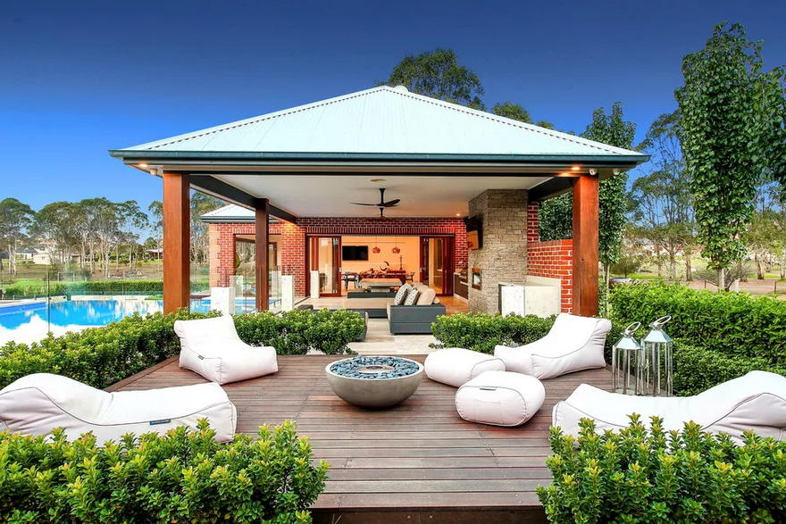 Outdoor Living Space (21)