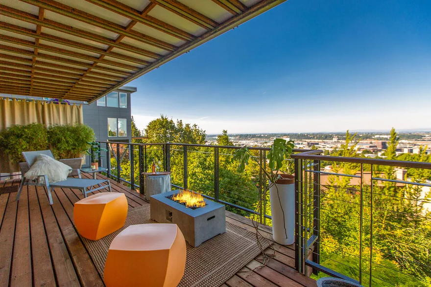 Outdoor Living Space (30)