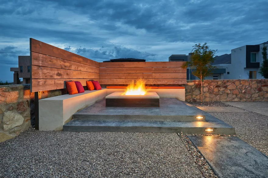 Outdoor Living Space (4)