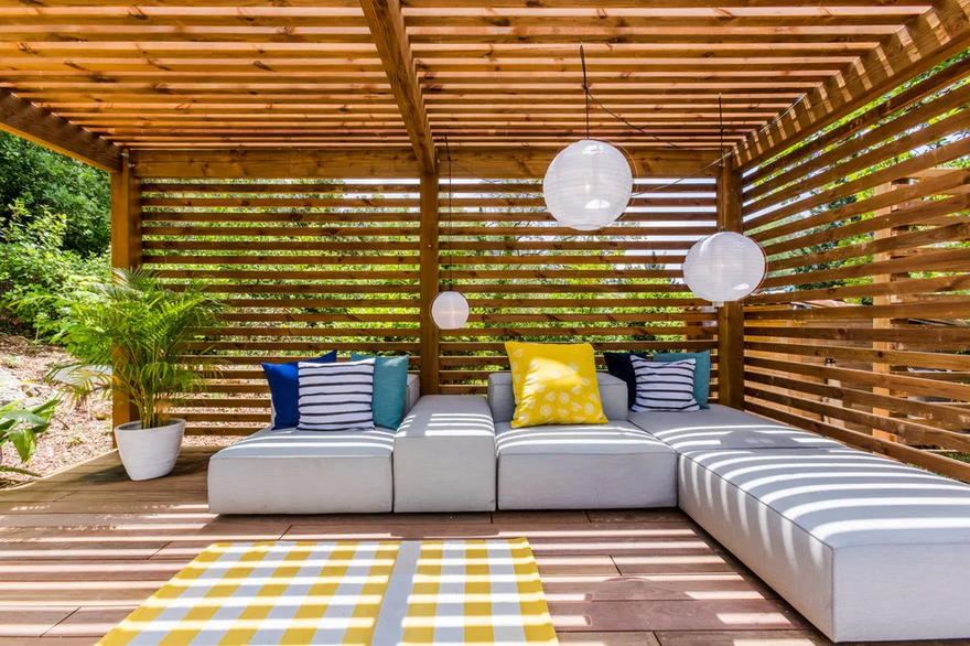 Outdoor Living Space (43)
