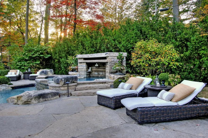 Outdoor Living Space (52)