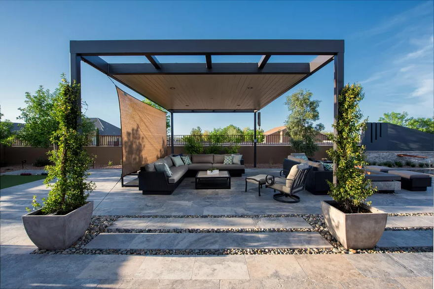Outdoor Living Space (8)