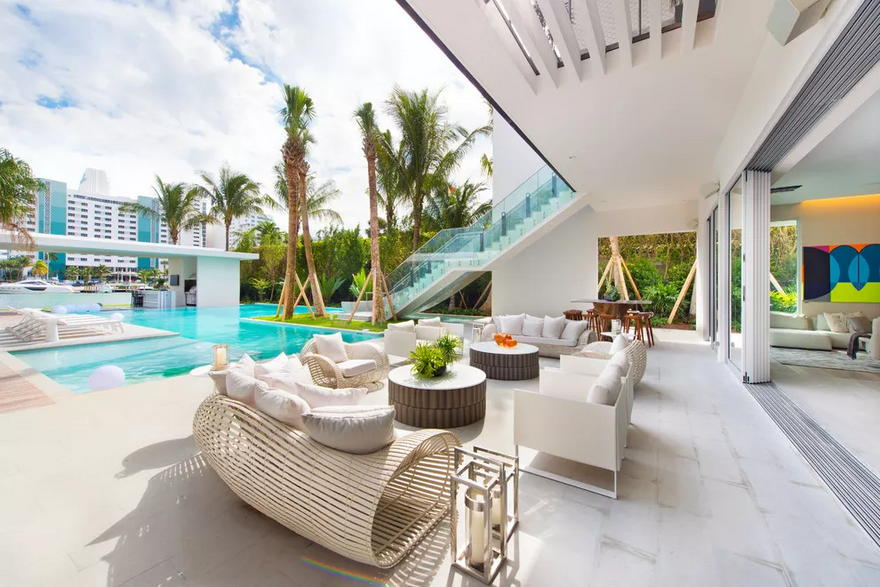 Outdoor Living Space (9)