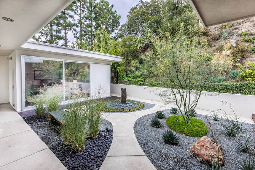 Contemporary Landscaping Ideas (18)