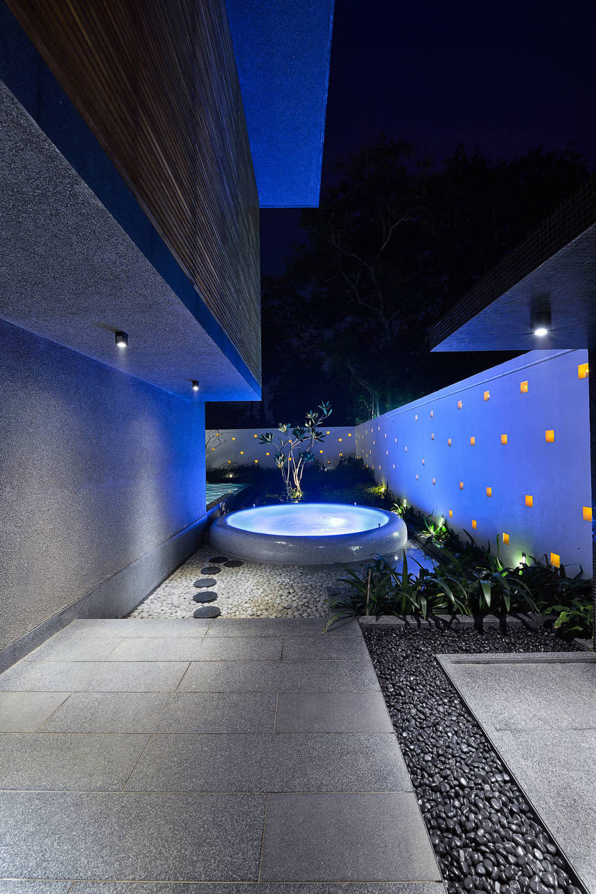 Contemporary Landscaping Ideas (21)