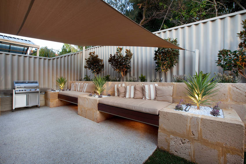Outdoor Patio Living Spaces (23)