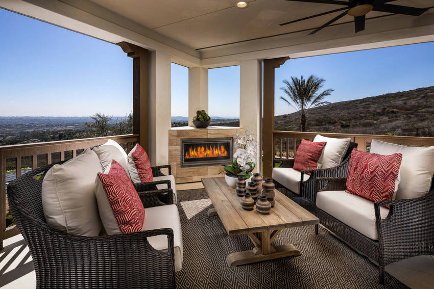 Outdoor Patio Living Spaces (27)