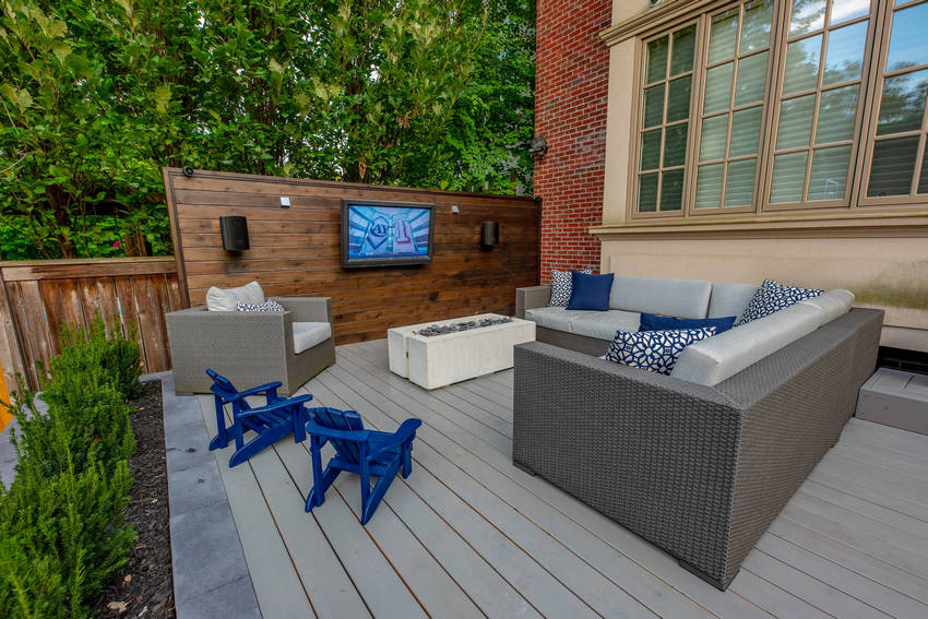 Outdoor Patio Living Spaces (30)