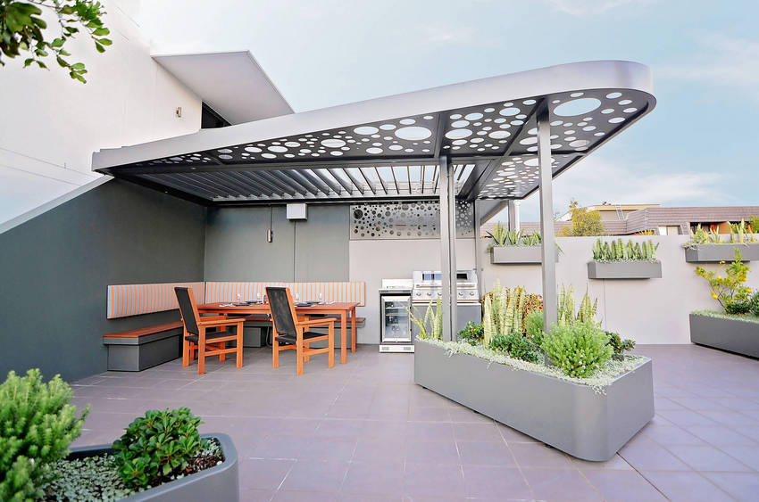 Outdoor Patio Living Spaces (36)