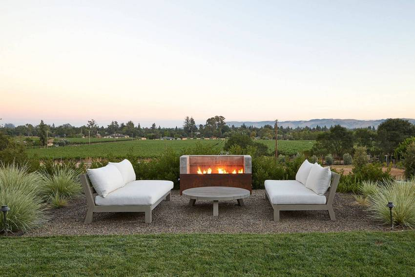 Outdoor Patio Living Spaces (53)