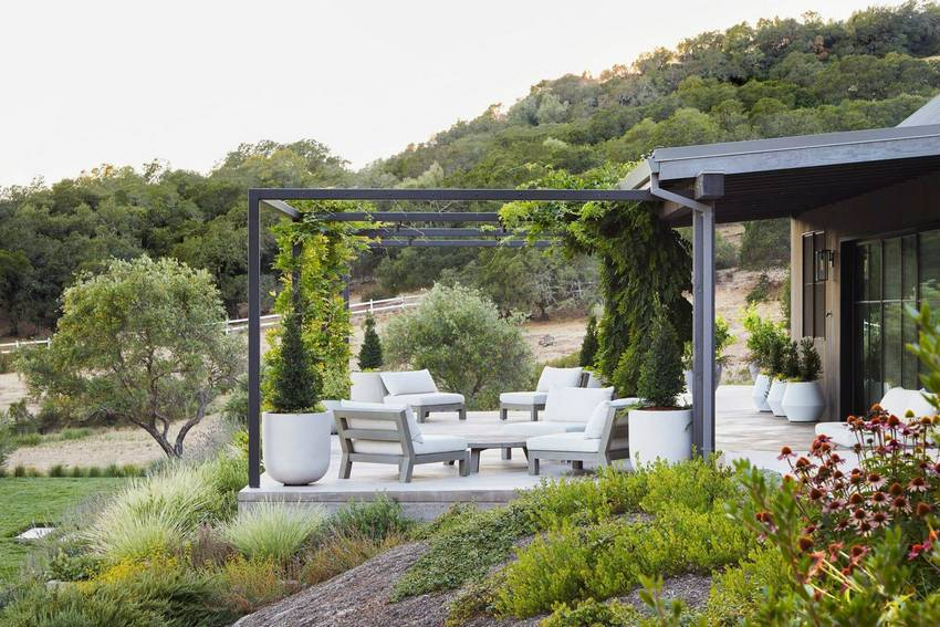 Outdoor Patio Living Spaces (54)