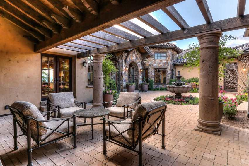 Outdoor Patio Living Spaces (9)