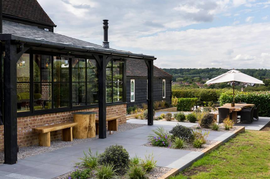 farmhouse patio ideas (31)