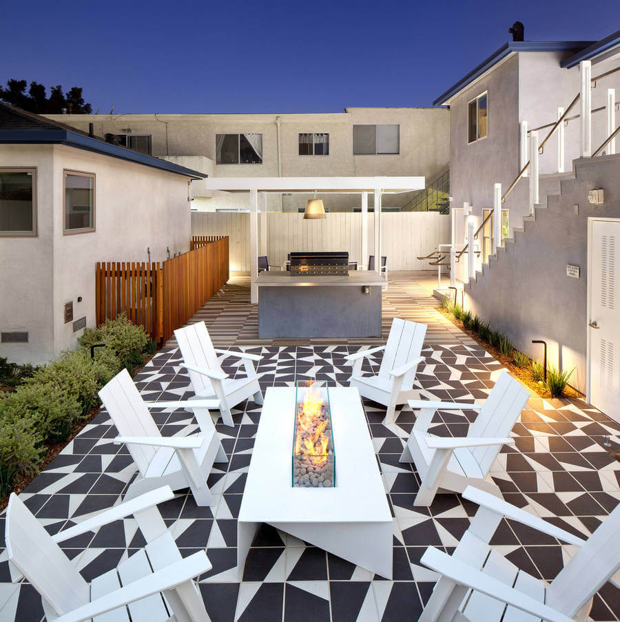 Contemporary Outdoor Patio (30)