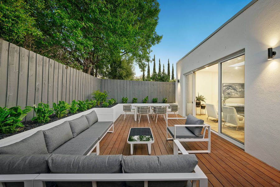 Contemporary Outdoor Patio (4)