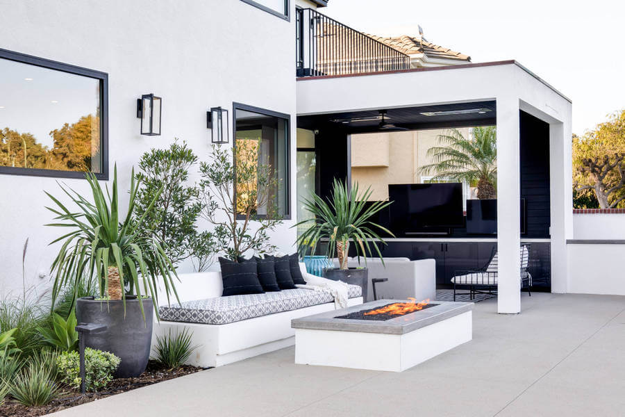Contemporary Outdoor Patio (57)